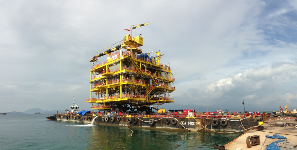 MV. Sea Foster was loaded with FPSO topside module for Petronas Bukit Tua Project in Lampung, Indonesia